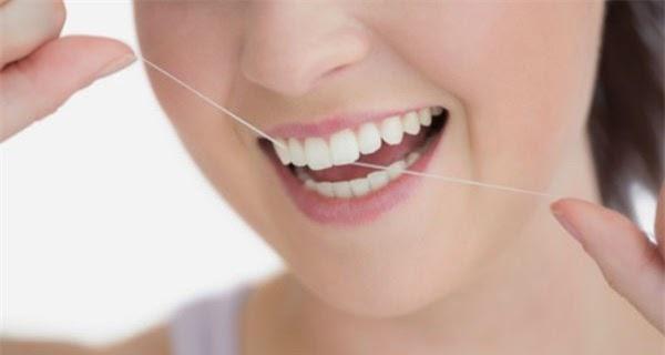 Cách chữa chảy máu chân răng tại nhà hiệu quả
