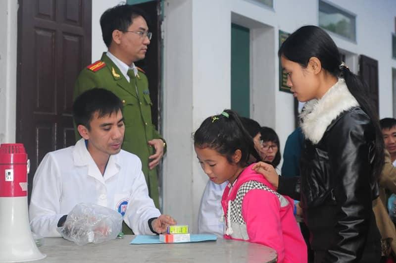 PGS.TS Võ Trương Như Ngọc thường cùng sinh viên tham gia các hoạt động tình nguyện